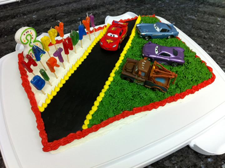 Disney Cars Cake Images : Disney Cars Cake loveinabento